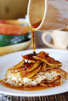 Crepes with caramelized apples and ricotta cheese filling
