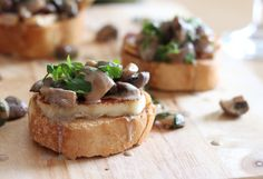 These classy little mushroom bruschetta with halloumi and a creamy white wine sauce would make the perfect appetiser for your next dinner party!