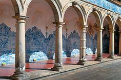 casa anos 40 azulejo de santo na fachada - Pesquisa Google