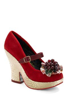 Cute and vintage style shoes on this site!!  I'm in trouble.