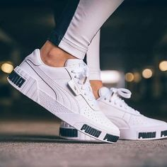 Tenis Casual, Casual Sneakers, Sneakers Fashion, Fashion Shoes, Moda Sneakers, Sneakers Mode, Shoes Sneakers, Sneaker Outfits, Sneaker Heels