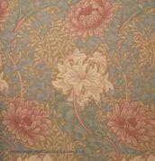 William Morris Chrysanthemum Tapet Painting Wallpaper, Fabric Wallpaper, William Morris, Cozy Living, Chrysanthemum, Decoration, Flower Prints, Watercolor Flowers, Embroidery Patterns