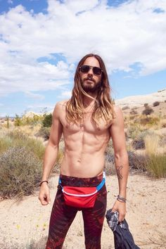 43 — FORTY THREE — FOR-TEE THREE — 4 -T- 3 — year old Jared Leto is here to remind you that fanny packs are awesome and really convenient for holding things and going hands free! | Jared Leto And His Mediocre Physique Wear A Fanny Pack