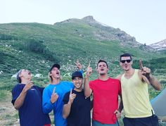 @brinks__ su Instagram: we might have had the most injuries.. but we had the most Ws ! ps. we hiked alllllll the way up...