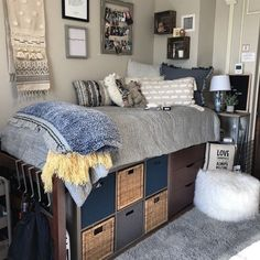 cute dorm room ideas that you need to copy right now 14 ✔. cute dorm room ideas that you need to copy right now 14 cute dorm room i College Bedroom Decor, Cool Dorm Rooms, College Dorm Rooms, Guy Dorm Rooms, College Life, Dorm Life, College Dorm Bedding, Girl Dorm Decor, College Closet