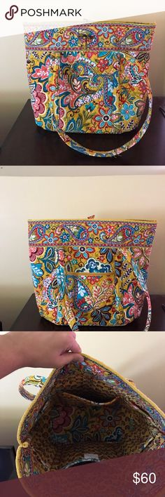 Vera Bradley Vera Tote Vera Bradley Vera Tote with toggle. Used twice, excellent condition. Vera Bradley Bags Totes