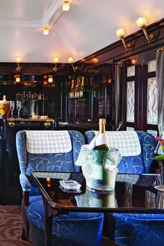 Venice Simplon-Orient-Express Champagne Bar, the romance and glamour of the Roaring Twenties. By Train, Train Car, Train Rides, Train Travel, Simplon Orient Express, Laurent Perrier, Old Train Station, Champagne Bar, Old Trains