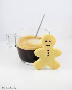 Bonjour les Cookies ! Noël approche et j'avais envie de faire des biscuits pour l'occasion ! Il me restait de la poudre d'amande suite ... 13 Desserts, Christophe Felder, Cookies Et Biscuits, Christmas Desserts, Panna Cotta, Pancakes, Food And Drink, Pudding, Cooking