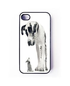 iphone 4 and 4s case, funny dogs iphone cover, iphone 4 and 4s cover, big dog vs small dog case. $15.50, via Etsy.