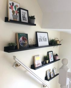 Of course the things you like you want on display. Ikea Picture Ledge, Picture Shelves, Mosslanda Picture Ledge, Living Room Designs, Living Room Decor, Bedroom Decor, Staircase Wall Decor, Stair Landing Decor, Picture Wall Staircase