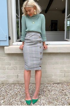 grey pencil skirt - Fashion Ideas Order the Laura Jade Grey Heritage Check High Waisted Midi Skirt With Button Side Split from In The Style. Shop today with next day delivery available until Casual Work Outfits, Mode Outfits, Work Attire, Dress Casual, Casual Dressy, Spring Work Outfits, Work Outfits Office, Office Attire, Classy Dress