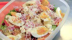 Ein saftig god kyllingsalat er enkelt å putte i sekken og flott niste når ein skal ha matpause. Potato Salad, Tapas, Pineapple, Mango, Pasta, Egg, Ethnic Recipes, Food, Drinks