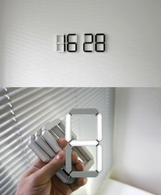 De stick-anywhere digitale klok - www. The stick-anywhere digital clock — www.kibardindesig… De stick-anywhere digitale klok – www. White Clocks, Modern Clock, Modern Wall, Gadgets And Gizmos, Spy Gadgets, Electronics Gadgets, Cooking Gadgets, Man Cave Gadgets, Modern Home Electronics