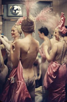 Gordon Parks - Showgirls between sets at the Latin Quarter in Times Square, 1958