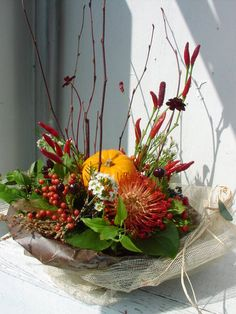 P1010067 Love Flowers, Silk Flowers, Beautiful Flowers, Deco Floral, Floral Design, Flower Decorations, Halloween Decorations, Patio House Ideas, Fall Arrangements