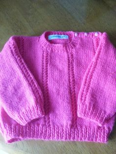 Baby girls knitted jumper. 3-6 months