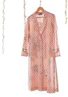 Beautiful stripe Georgette-Silk Kurti with brilliant detailing and embellishments. Silk Kurti Designs, Kurta Designs Women, Dress Neck Designs, Blouse Designs, Shirt Style Kurti, Fashion Wear, Fashion Dresses, Kurta Patterns, Tunic Pattern