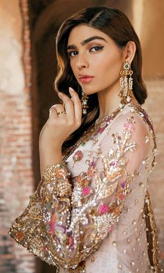 Pakistani Fashion Party Wear, Pakistani Wedding Outfits, Pakistani Wedding Dresses, Indian Fashion Dresses, Pakistani Dress Design, Bridal Outfits, Bridal Mehndi Dresses, Desi Wedding Dresses, Nikkah Dress