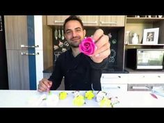 Rosa de Pasta Americana sem Cortador/ Simples e Fácil - YouTube Bolo Minnie, Flower Food, Cake Tutorial, Fondant, Cake Recipes, Wedding Cakes, Make It Yourself, Chocolate, Youtube