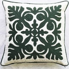 Cushion Covers, Throw Pillow Covers, Throw Pillows, Mother Christmas Gifts, Mother Gifts, Hawaiian Quilts, Embroidery Stitches Tutorial, Quilted Pillow, Mom Birthday Gift