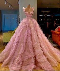 """Beautiful dresses by Valdrin Sahiti"" Red Ball Gowns, Ball Gowns Evening, Ball Gowns Prom, Ball Gown Dresses, Stunning Dresses, Beautiful Gowns, Pretty Dresses, Gala Dresses, Event Dresses"