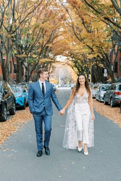 Surprise Boston Micro-wedding in the fall   Boston Real Weddings - Photographer DARLING PHOTOGRAPHY   Magnolia Rouge Fine Art Wedding Blog   Romantic Wedding Photos   portraits   Fall Weddings