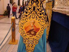 Nazareno de la Virgen de los Dolores, Paso Azul. Todo es bordado a MANO. #SemanaSantaLorca Hand Embroidery, Cities, Blue