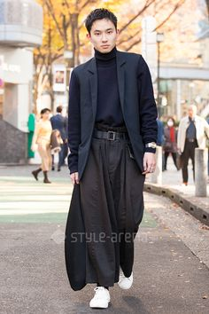 Shun | RAF SIMONS Maison Margiela UNIQLO NO BRAND 132 5. ISSEY MIYAKE Maison Margiela×CONVERSE MM6 Maison Margiela | 4th week  Nov. 2016 | Omotesando | Tokyo Street Style | TOKYO STREET FASHION NEWS | style-arena.jp