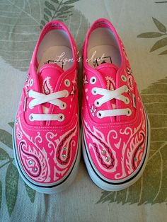 Pink Vans with a variation of the paisley look. Also known as the bandana style. Each pair is designed freehand with fabric paint. Because every pair is