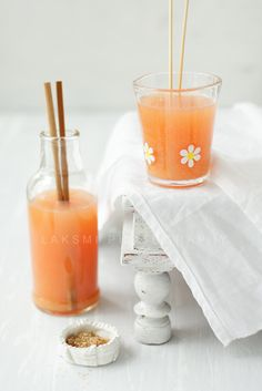 Grapefruit, clementine and ginger juice Healthy Juices, Healthy Smoothies, Healthy Drinks, Smoothie Recipes, Juicer Recipes, Fruit Recipes, Non Alcoholic Drinks, Cocktail Drinks, Beverages
