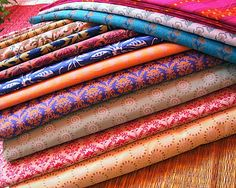 love a bold colored silk for bedroom curtains and pillows House Design Photos, Cool House Designs, Hand Printed Fabric, Printing On Fabric, Indian Fabric, Indian Textiles, Indian Prints, Bohemian Decor, Boho