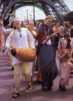 Becoming a disciple of His Divine Grace. Krishna Kirtan Devi dasi, at 15, an active Christian, first met the devotees in a public park in Paris called Jardin du Luxembourg in July 1972. She thought…