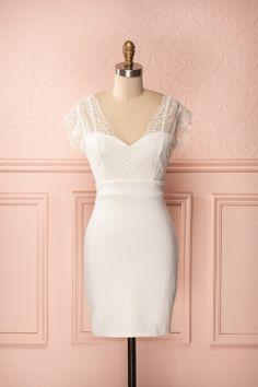 Daphné - White textured sleeveless lace bust dress