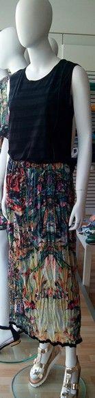 Falda estampado Koralline+camiseta Salsa Jeans+romanas Marikuchi