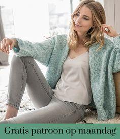 Gratis patroon op maandag - Breipatroon Bernadette. Ontvang ieder maandag het gratis patroon en een leuke aanbieding van het garen. Diy Knitting Cardigan, Crochet Cardigan Pattern, Shrugs And Boleros, Creative Knitting, What To Wear Today, Knitting Magazine, Diy Crochet, Pulls, Diy Fashion