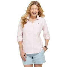 Pre-owned Vineyard Vines Pink Oxford Button Down Shirt ($107) ❤ liked on Polyvore featuring tops, pink, pink button up shirt, vineyard vines shirts, pink top, pink oxford shirt and shirts & tops