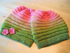Wurmmütze aus 2*200m *Melonenn21.09.2015 17:23 Knitting Socks, Knitted Hats, Stitch Patterns, Knitting Patterns, Home Crafts, Diy Crafts, Knit Crochet, Crochet Hats, N21