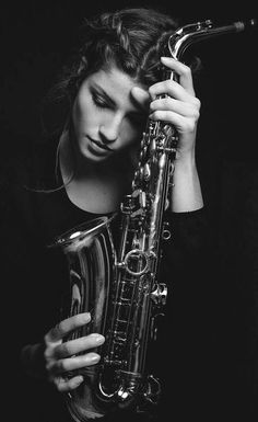 Women sax players - 022 saxophone photoshoot ideas en 2019 в Musician Photography, Band Photography, Portrait Photography, Saxophone Players, Saxophone Instrument, Jazz Saxophone, Band Nerd, Saxophones, Senior Pictures Boys