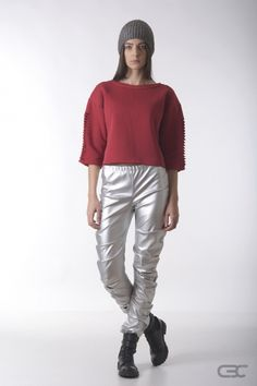 Crepe Black Collar silver leggings and fluffy cotton top with details. Check out the online shop for details. Silver Leggings, Fall Winter 2014, Normcore, Crop Tops, Check, Cotton, Clothes, Shopping, Collection