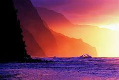 Na Pali Coast from Ke'e Beach    Sunset during winter solstice along the Na Pali Coast from Ke'e Beach, Kauai, Hawaii.