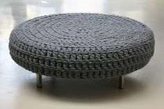 I love this crohet pouf !