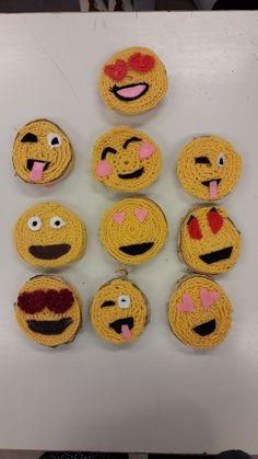 Basteln Travel bank of america travel rewards Yarn Crafts, Diy And Crafts, Crafts For Kids, Arts And Crafts, Weaving Projects, Knitting Projects, Floral Hoops, Weaving Textiles, Knitting For Kids