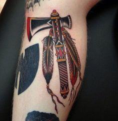 Tomahawk Tattoo by Nick Luit Life Tattoos, Body Art Tattoos, Sleeve Tattoos, Tattoos For Guys, Native American Tattoos, Native Tattoos, Badass Girl, Tatuagem Old Scholl, Hammer Tattoo