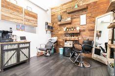Home Beauty Salon, Home Hair Salons, Home Salon, Small Beauty Salon Ideas, Small Salon Designs, Office Designs, Nail Salon Decor, Hair Salon Interior, Salon Interior Design