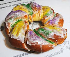 The Darling Apartment: King Cake!