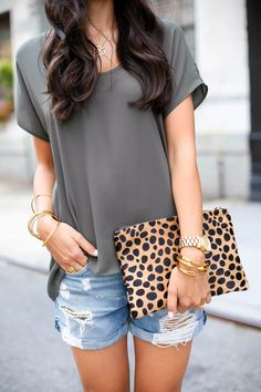 We love this fresh laid-back look paired with stacked bracelets and a leopard clutch.