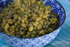 Mungó dahl Curry, Dahl, Beans, Vegetables, Food, Cilantro, Curries, Essen, Vegetable Recipes