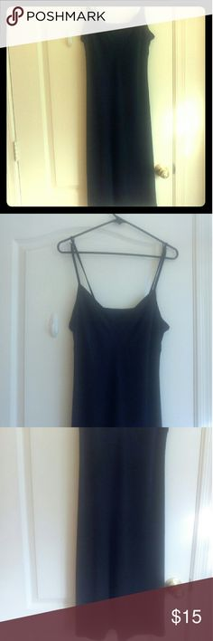 Mossimo Black Evening Dress Size Large/ Brand: Mossimo/ 60% Polyester 32% Rayon 8% Spandex/ Dress Laying straight down pass your knee has a build in bra / Dress is in great shape/ ❌No Trades ❌ Mossimo Dresses