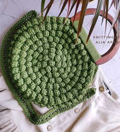 Popular Stylish and Convenient Crochet Bag Models - Page 25 of 103 - Womens ideas Source by Bags purses Crochet Handbags, Crochet Bags, Crochet Crafts, Easy Crochet, Crochet Ideas, Free Crochet, Sewing Crafts, Popular Crochet, Bag Pattern Free