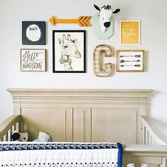 We just love a good gallery wall in the nursery. Image by @kelseydavisdesign